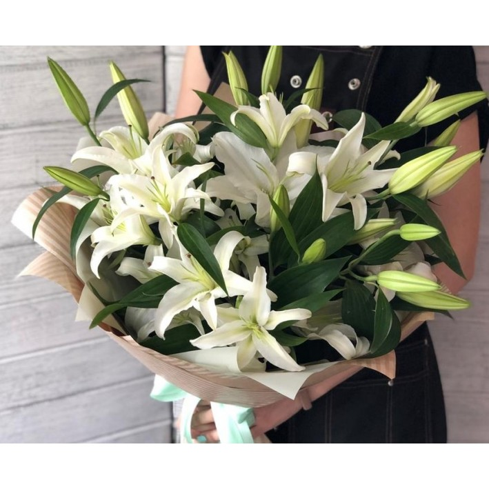 11 lilies in craft