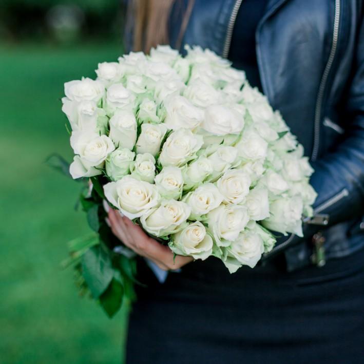 25 white roses 45 sm (Kenia)
