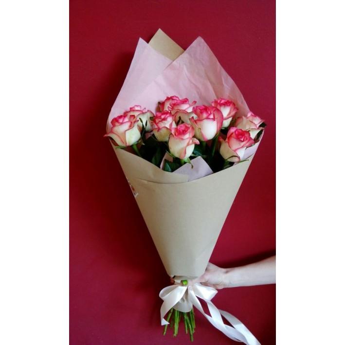 11 Jumilia roses per pack