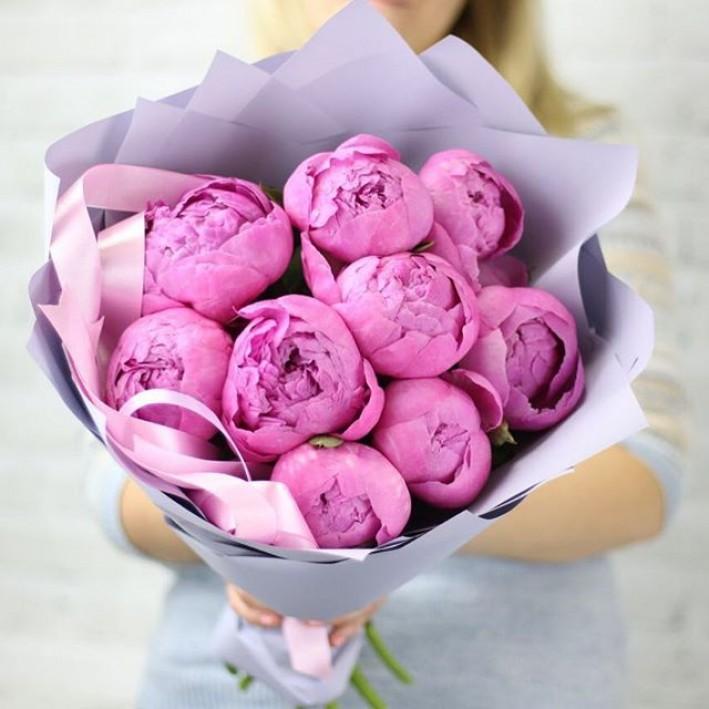 11 pink peonies