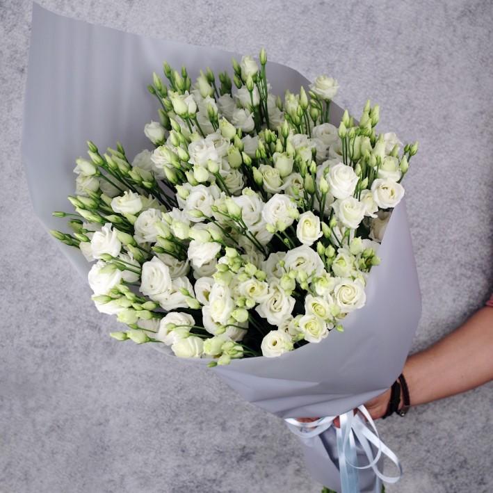 "Bouquet of 25 eustomas ""History"""