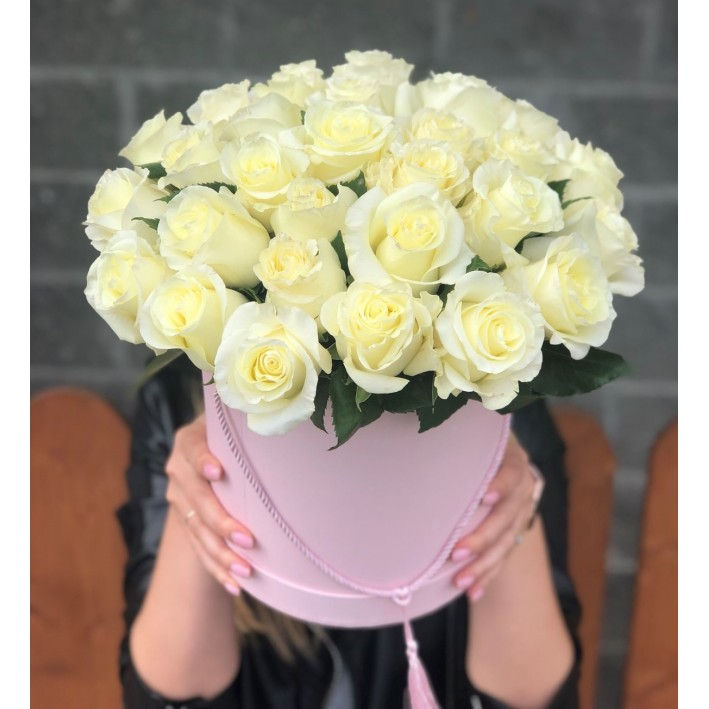 31 white roses in a box