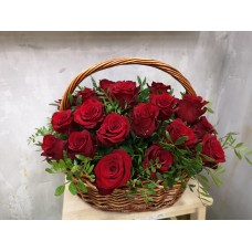 Basket of 25 red roses