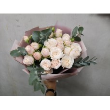 7 pion-shaped bush roses bombastik