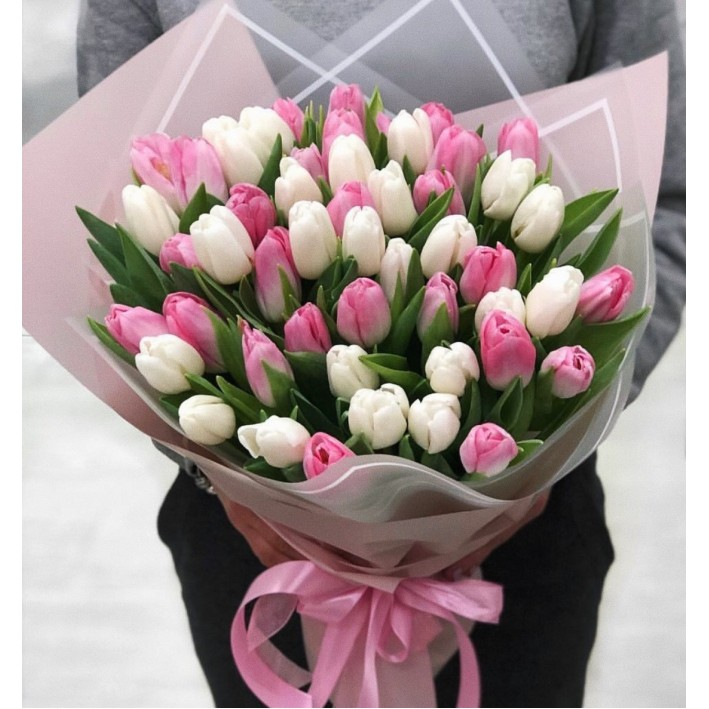 55 tulips mix in decoration